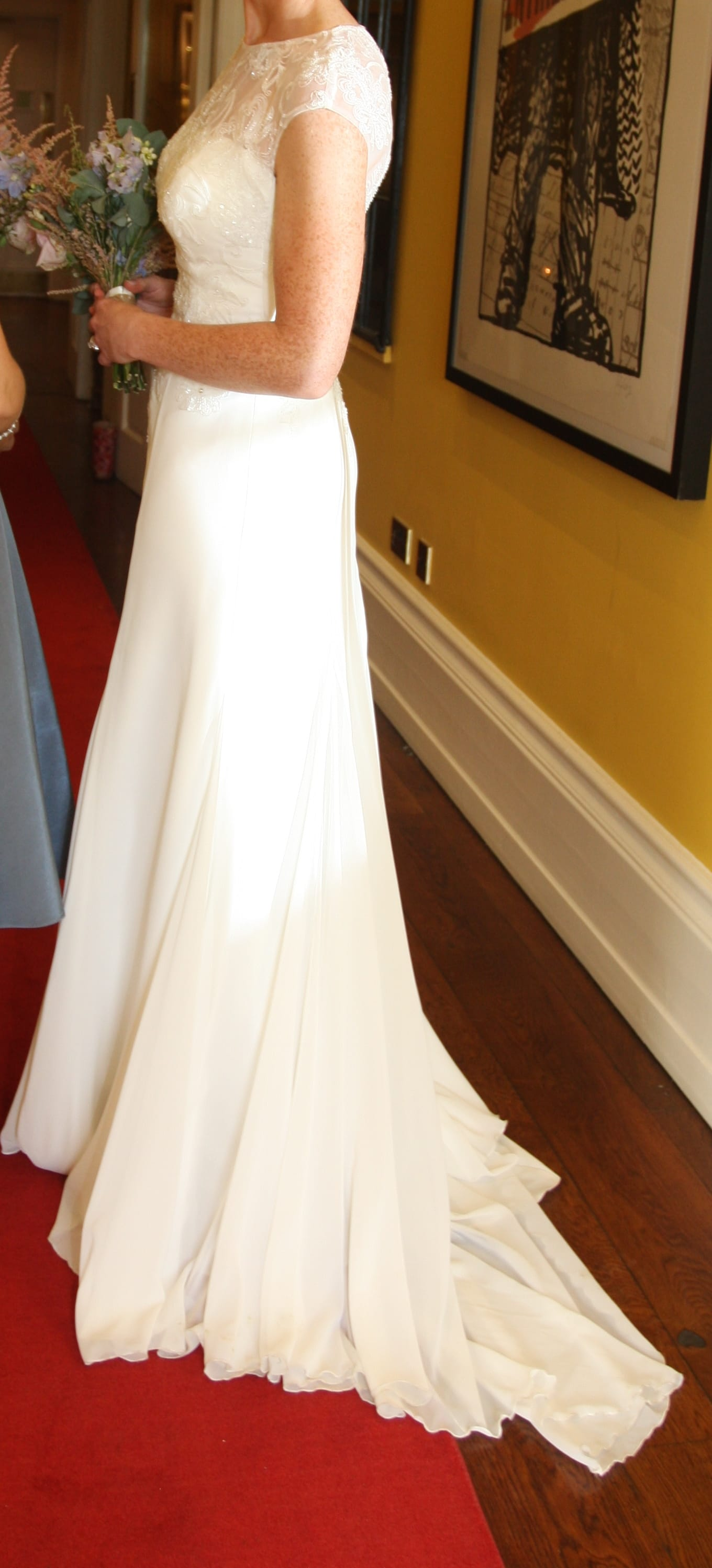 how to sell wedding dress