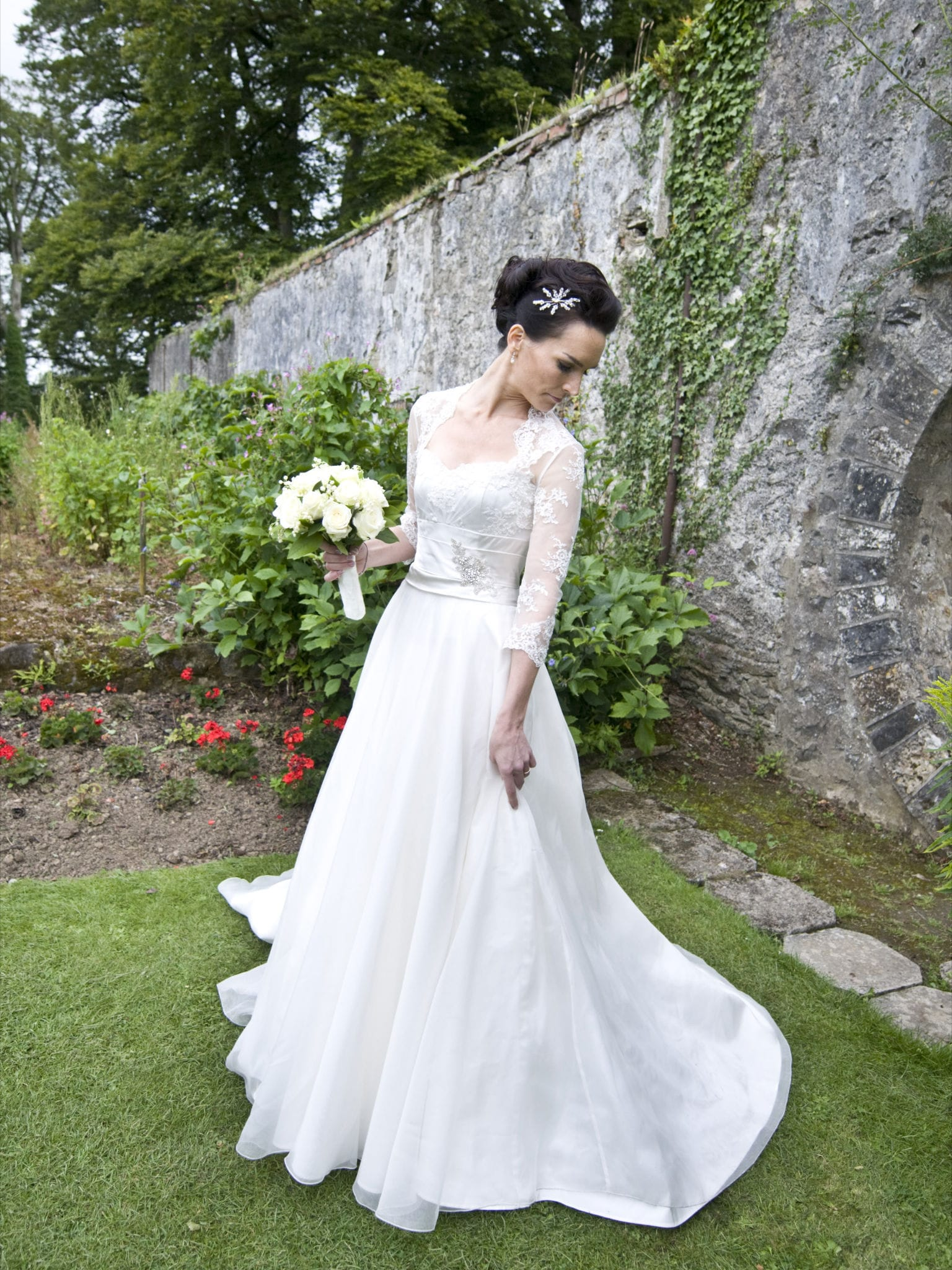 Couture wedding dress sell my wedding dress online for Where to sell wedding dresses