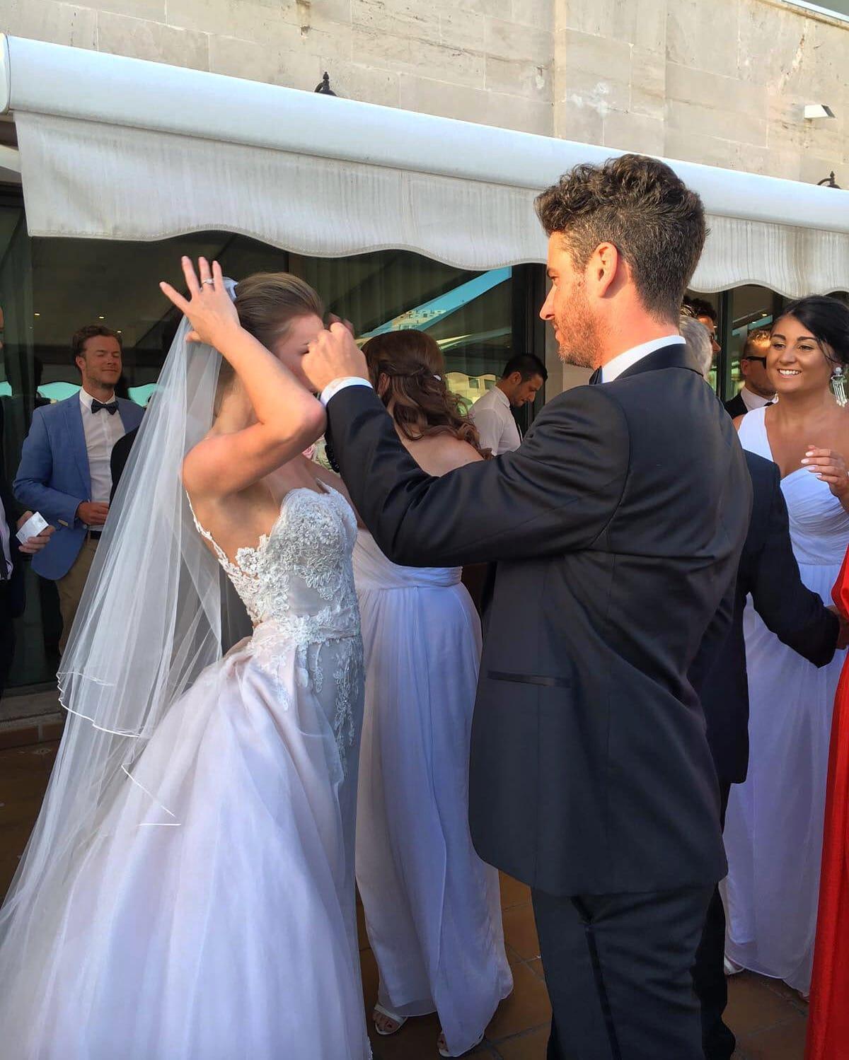 901087b36aa8 Wedding Jumpsuit With Detachable Skirt - Best Wedding Ampleimage.co
