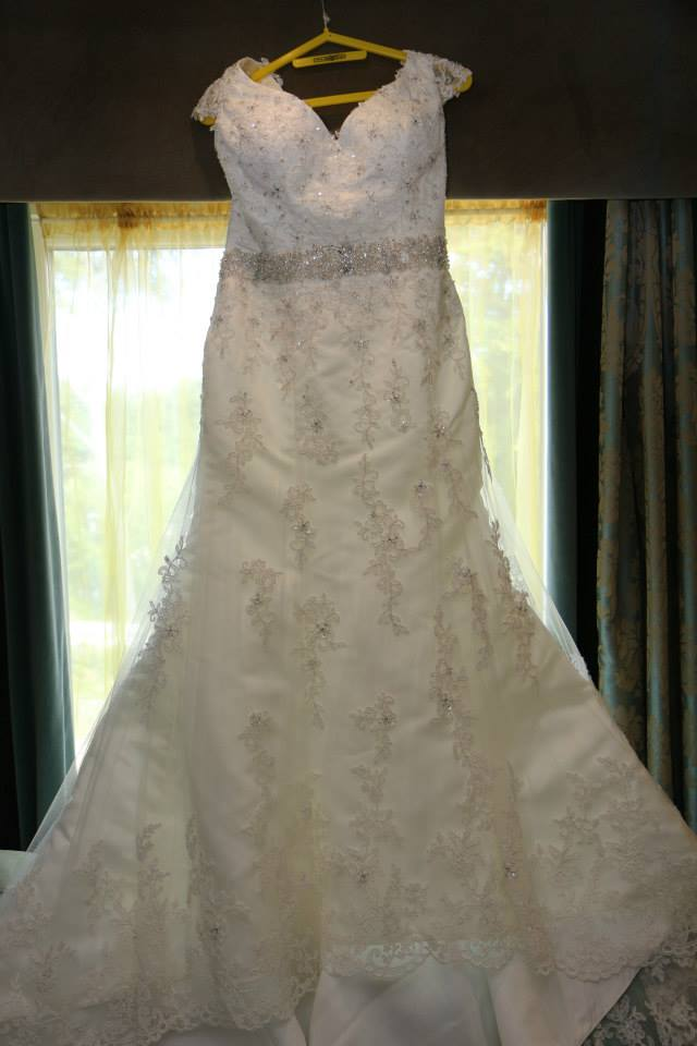 Sharon hoey laura wedding dress sell my wedding dress for Sell wedding dress for free