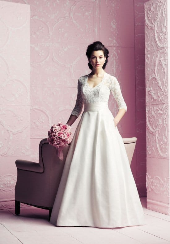 Paloma blanca 4260 wedding dress sell my wedding dress for Sell wedding dress for free