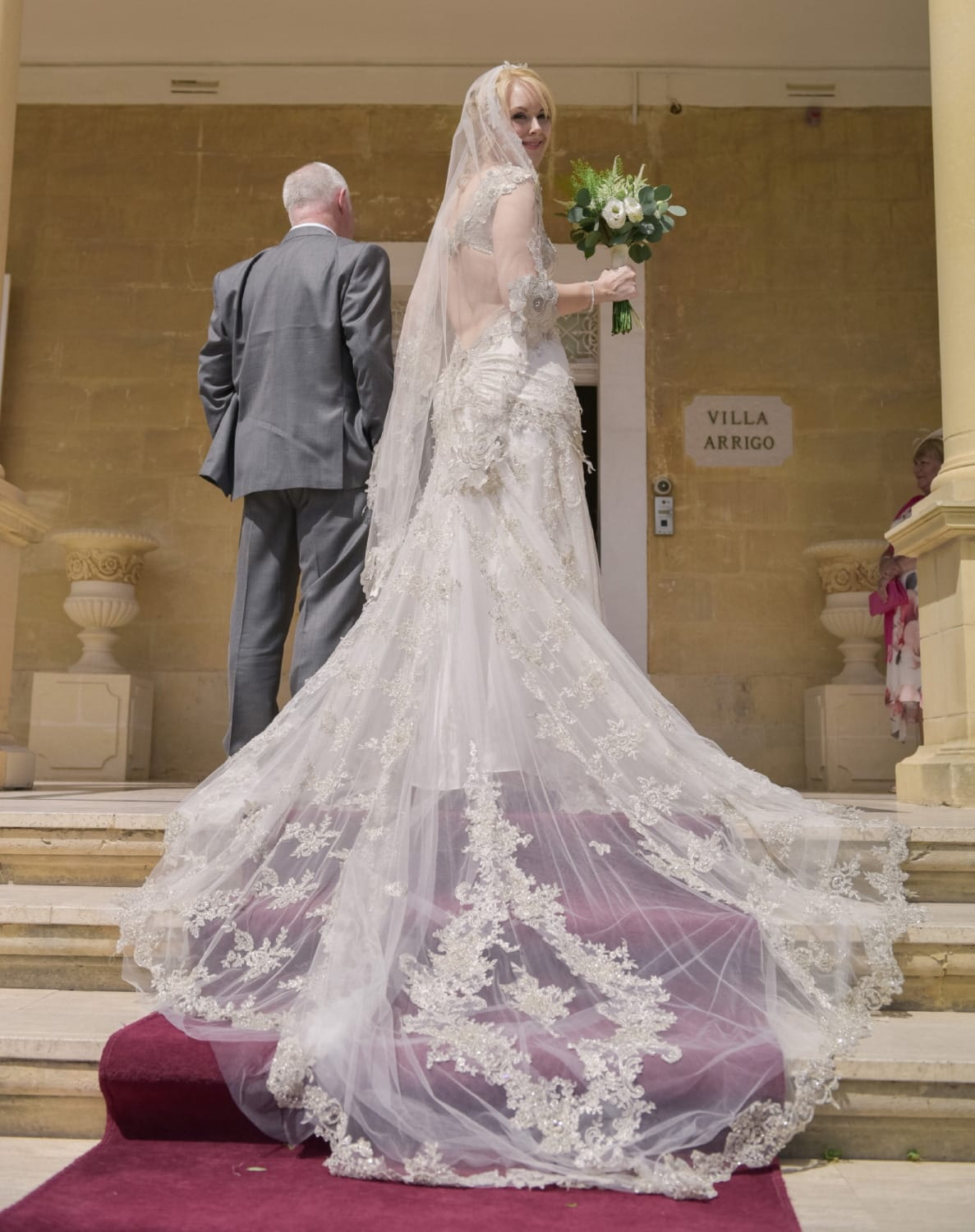 Farage vintage show stopper sell my wedding dress online for Sell vintage wedding dress