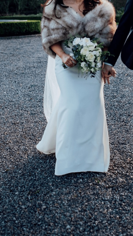 Essense of Australia wedding dress & accessories - Sell My Wedding ...