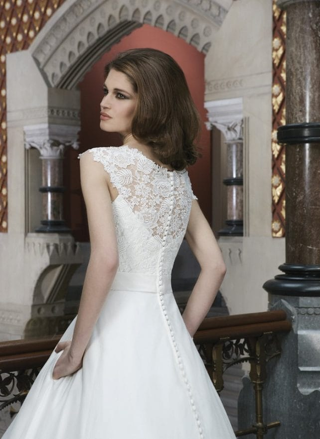 Justin alexander 8721 c sell my wedding dress online for Sell wedding dress online