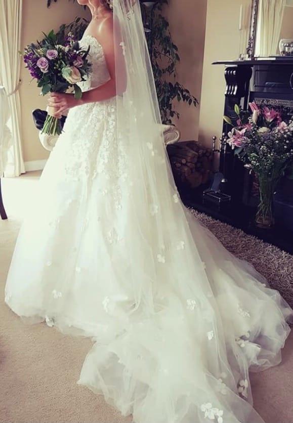 Ian Stuart Exquisite wedding dress
