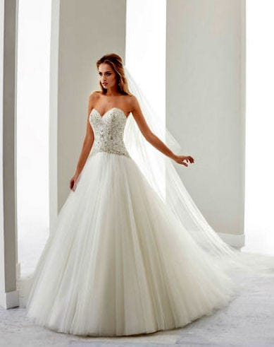 Stunning Nicole Jolies Princess wedding dress