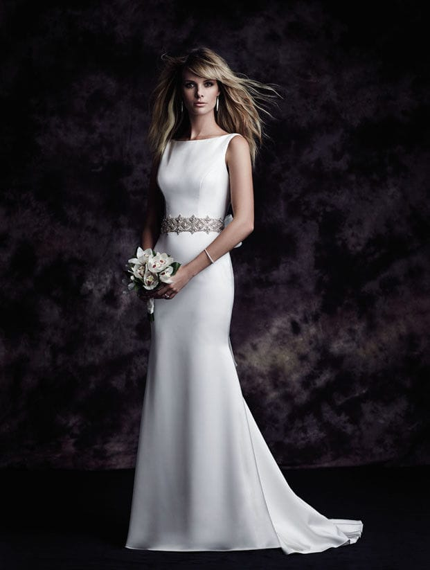 Paloma Blanca 4614 with veil included