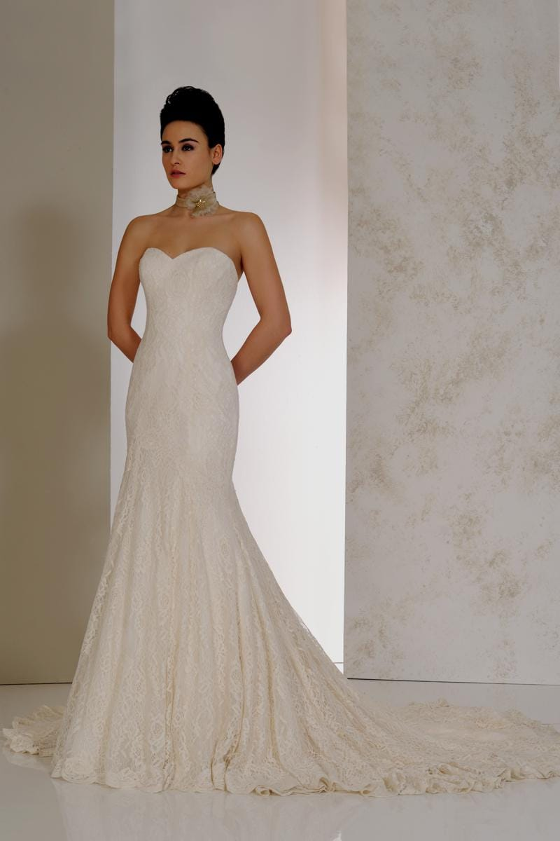 Stunning Karen George lace wedding dress (ivory)