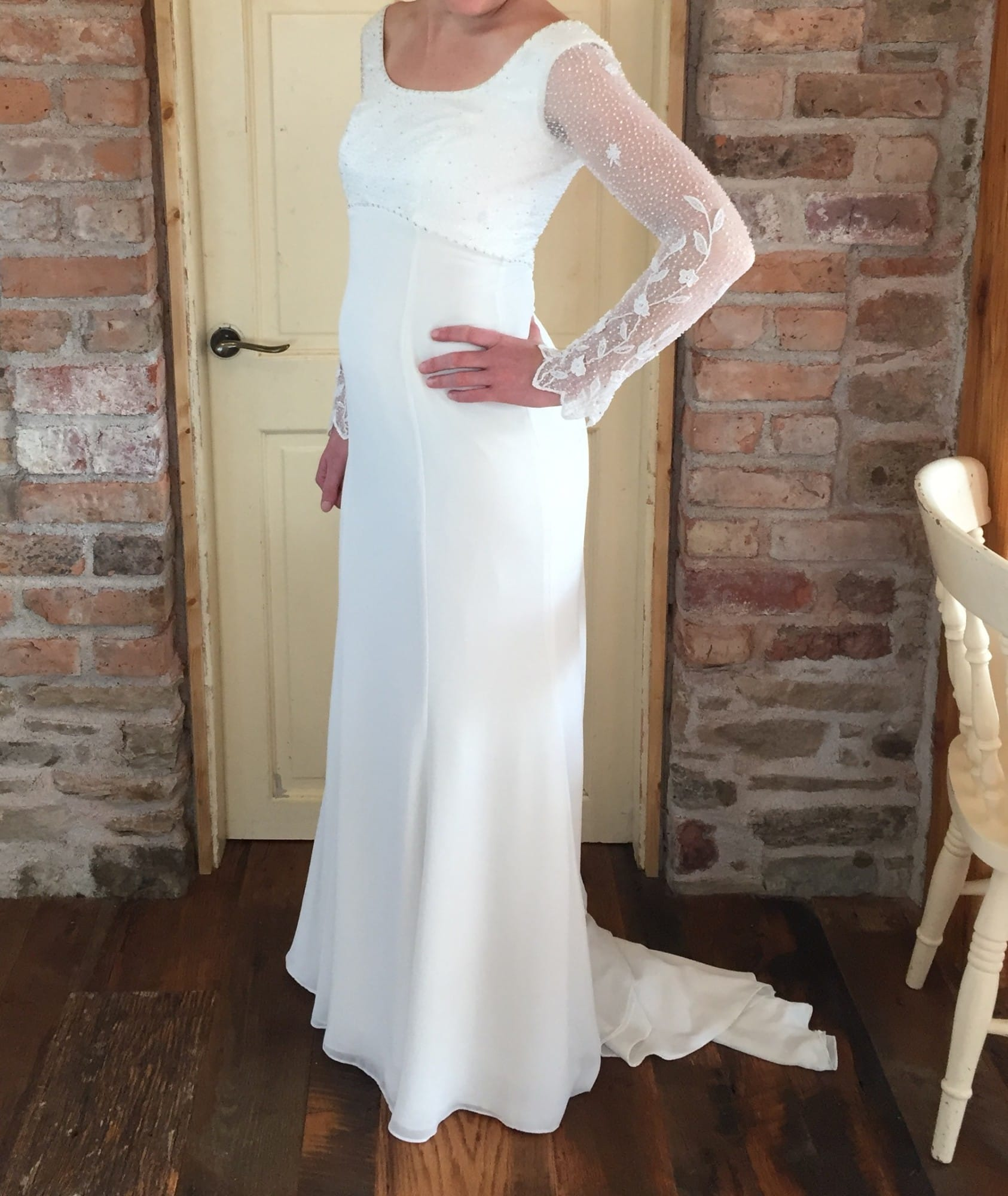 Sell Your Wedding Gown: Vintage Long Sleeved Style Gown