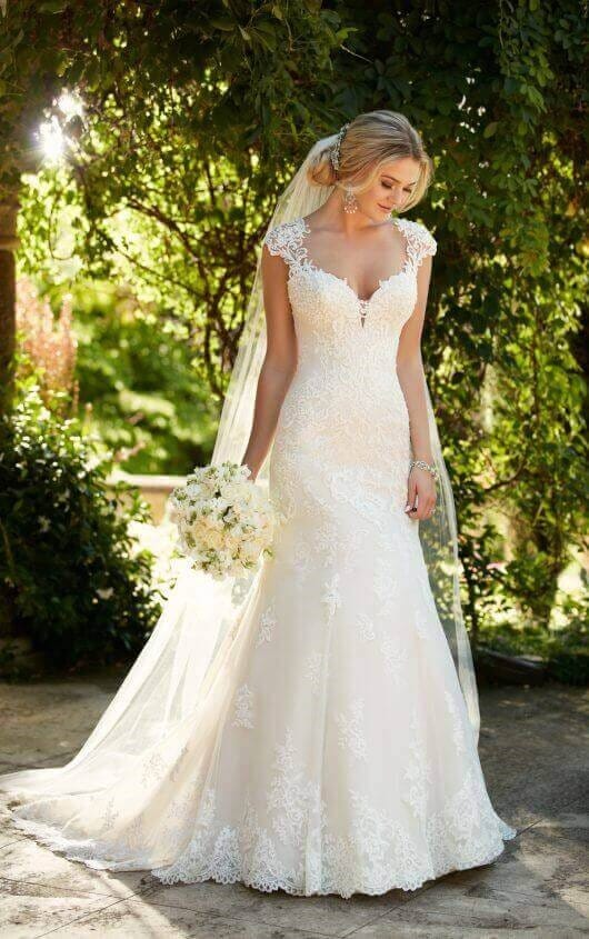 Essense of Australia D2262 Wedding Dress