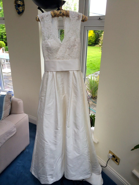 Paloma Blanca 4260 wedding dress