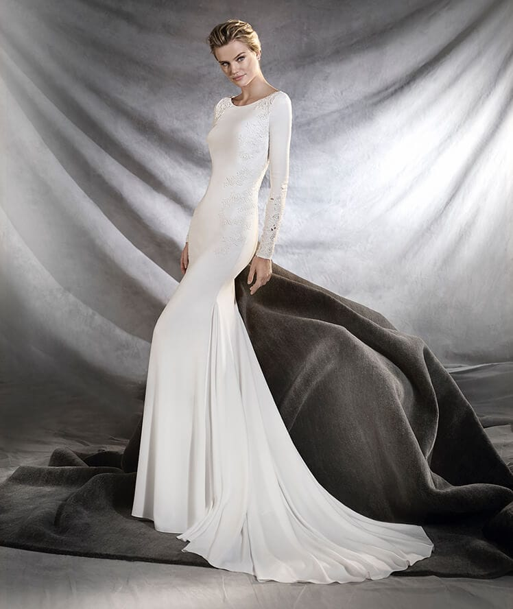 Timeless ivory full-sleeve Pronovias Orquidea gown