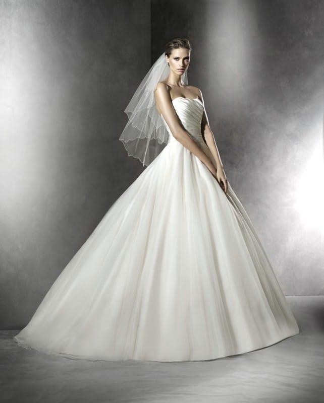 Pronovias Plesana wedding dress