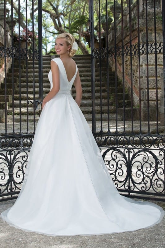 Sincerity 3897 Gown