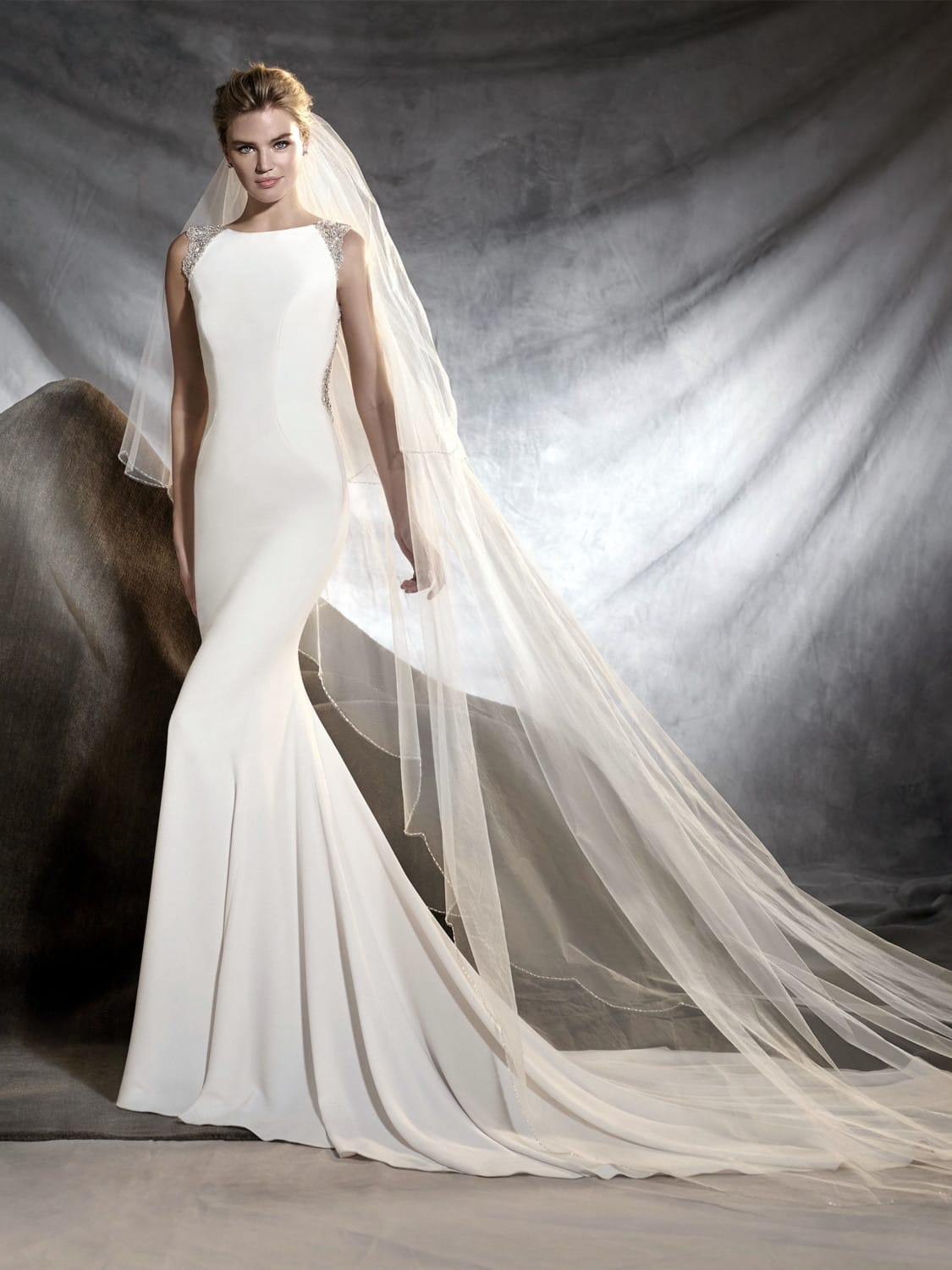 Pronovias Orsola wedding gown & veil