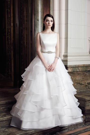 Beautiful Mikaella Mia wedding dress