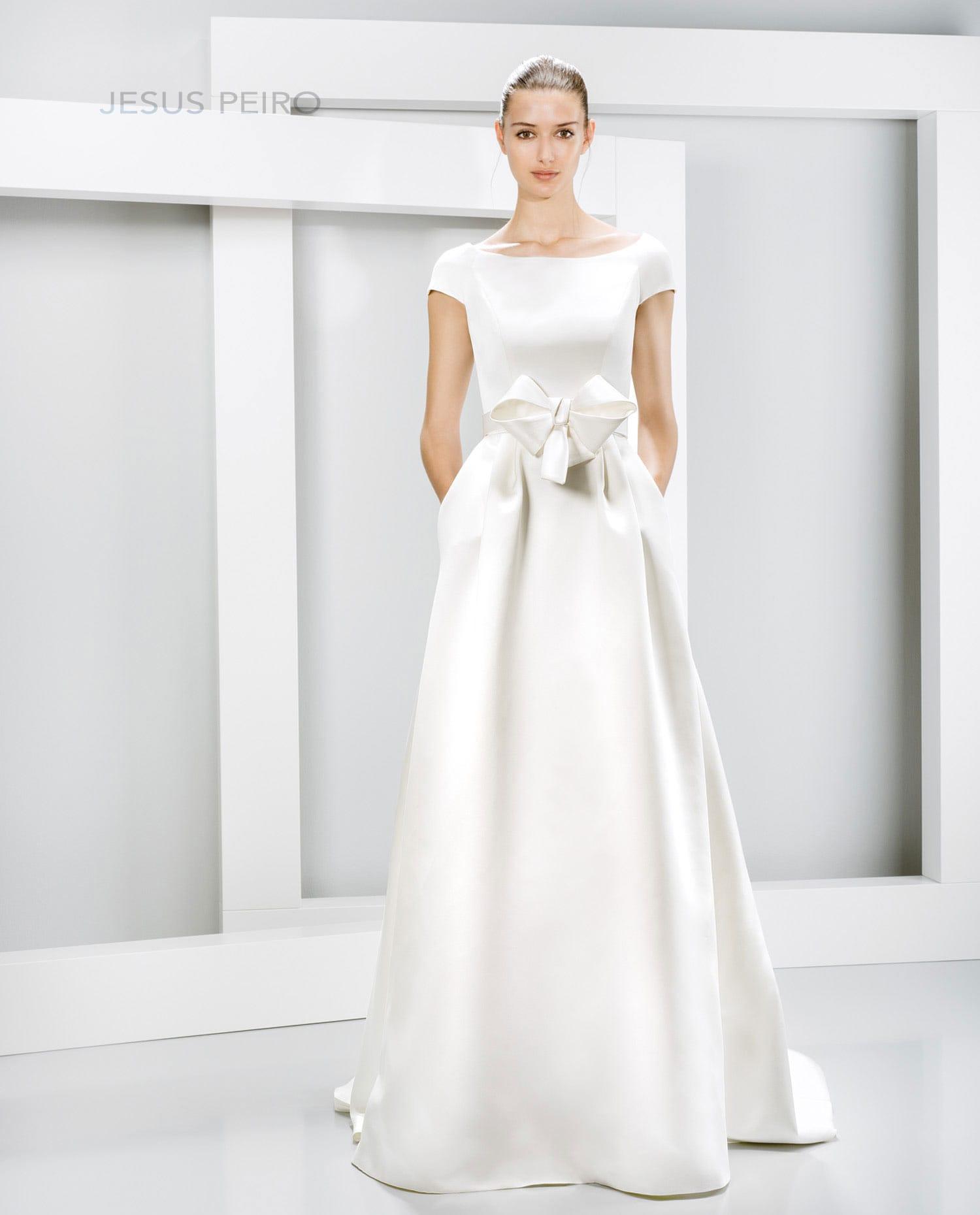 Jesus Peiro 6013 Gown