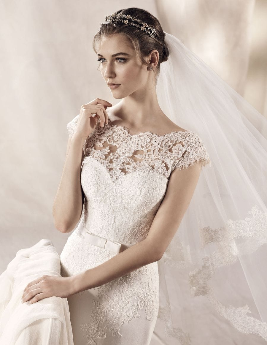 ad5344a3d5ac Pronovias White One Yuriana Classic Elegant Gown - Sell My Wedding ...