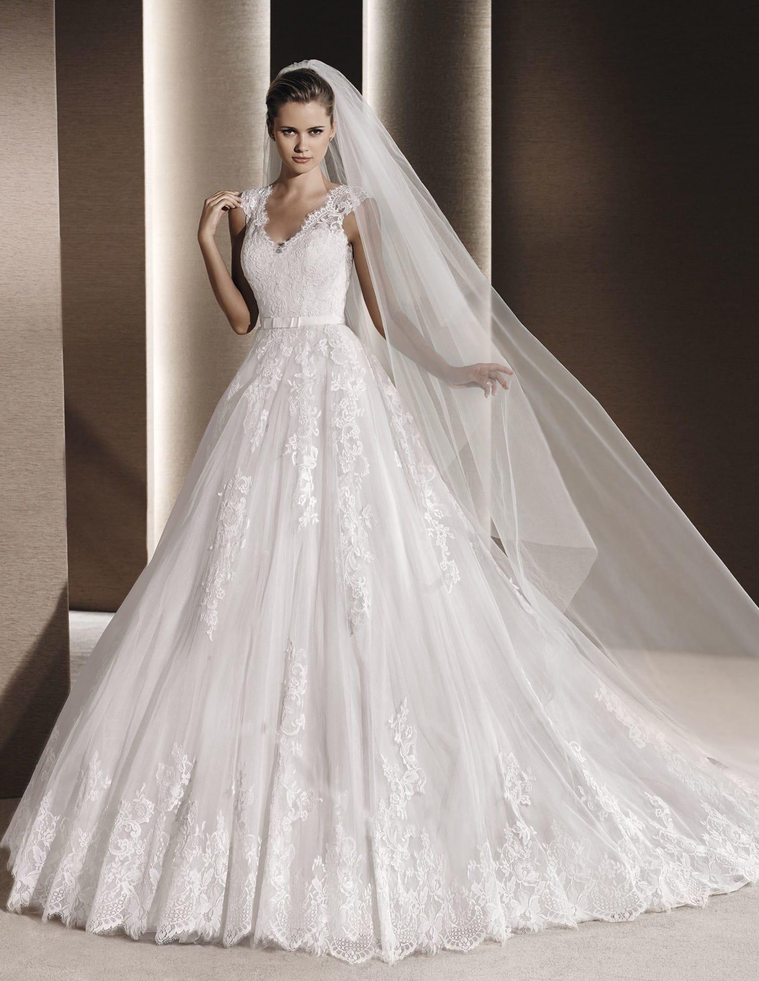 La Sposa Raven Gown