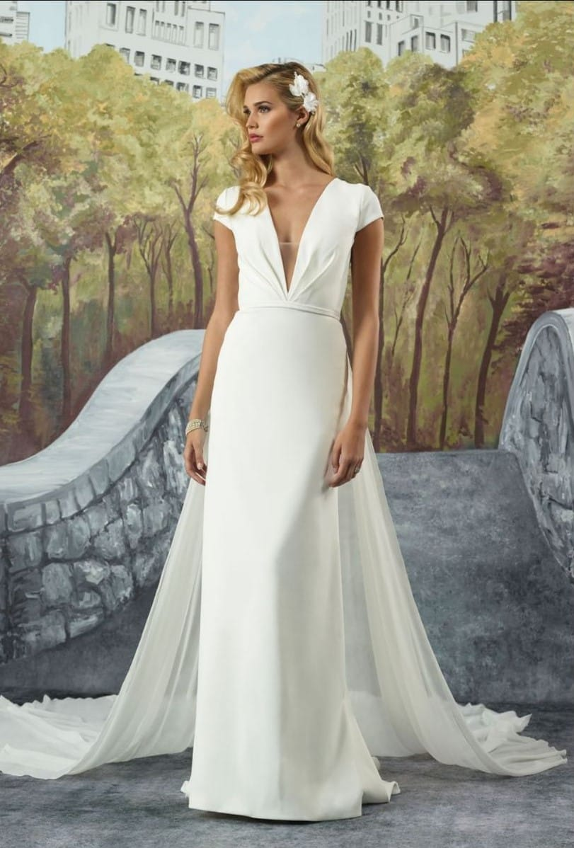 Justin Alexander 8928 – Ivory crepe  gown with detachable chiffon train