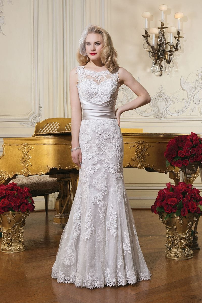 Justin Alexander 8596 lace wedding dress