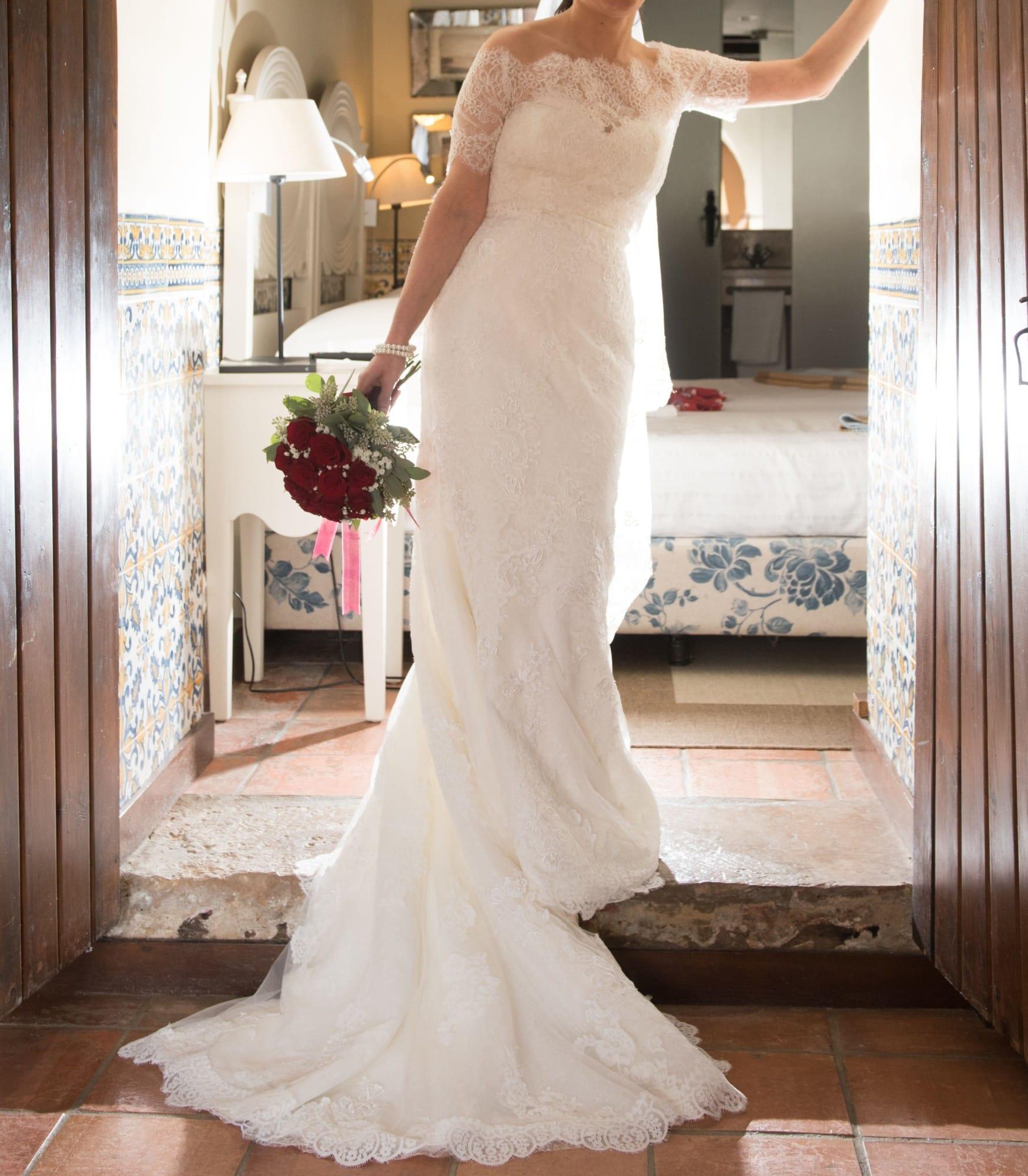 Pronovias Princia Ivory Lace Wedding Dress, Veil And