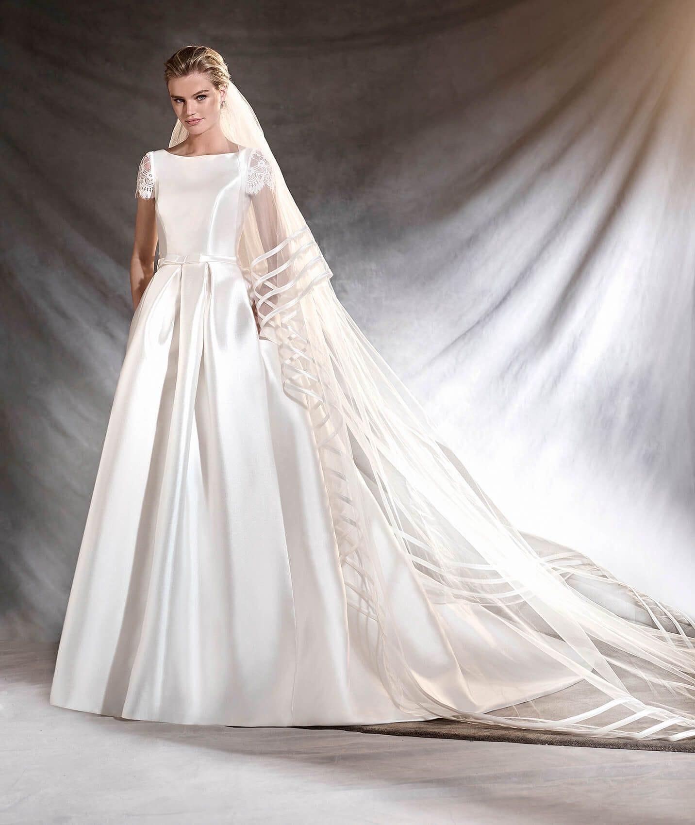 Pronovias Otelo Elegant Winter Wedding Dress
