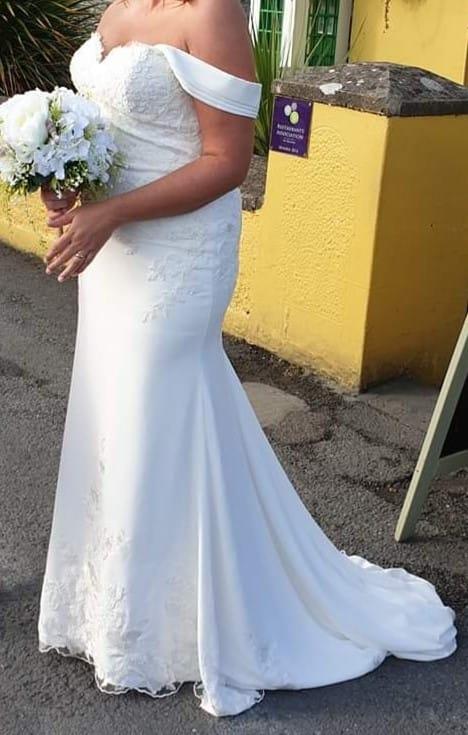 San Patrick Zaikal wedding dress