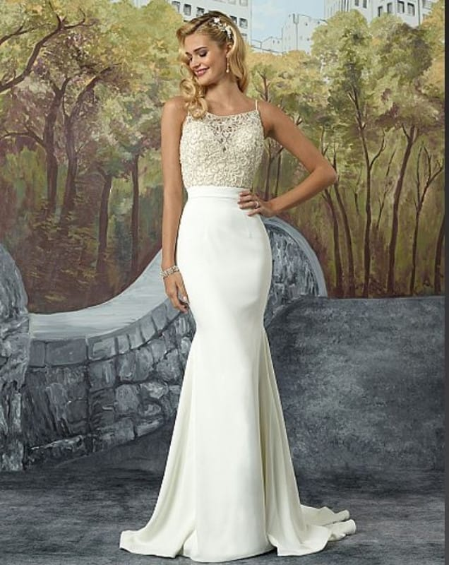 Justin Alexander A082 Beautiful Wedding Gown