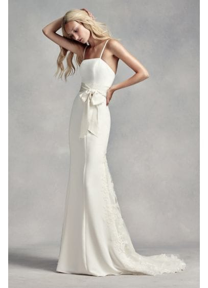 Vera Wang Ivory gown featuring intricate lace detail