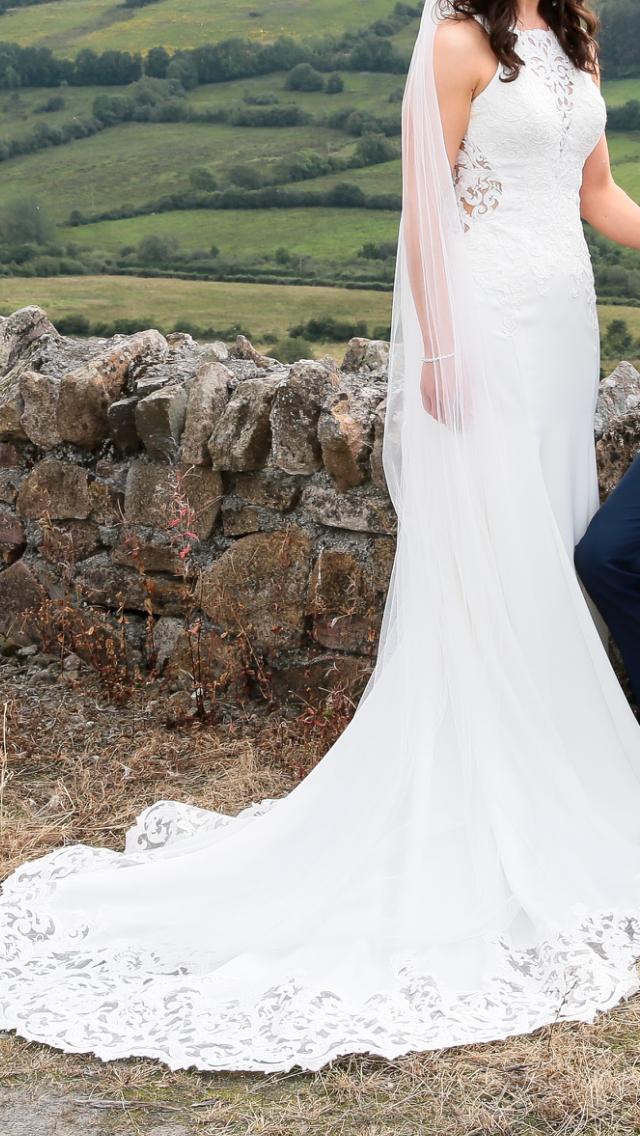 Essense of Australia D2405 – Simple Lace Wedding Gown
