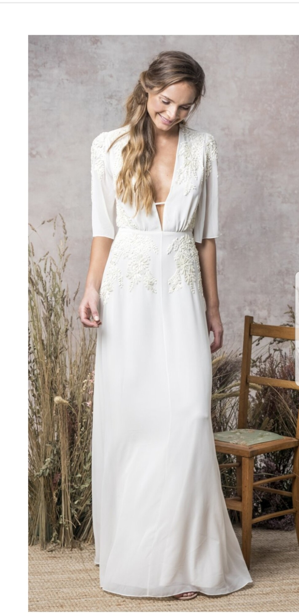 SOLD…SOLD…SOLD…Hope & Ivy Plunge Neck Kimono Style Bridal Gown