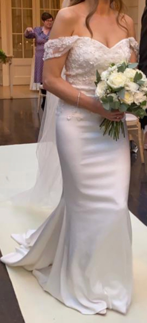 Bespoke Kathy De Stafford wedding dress