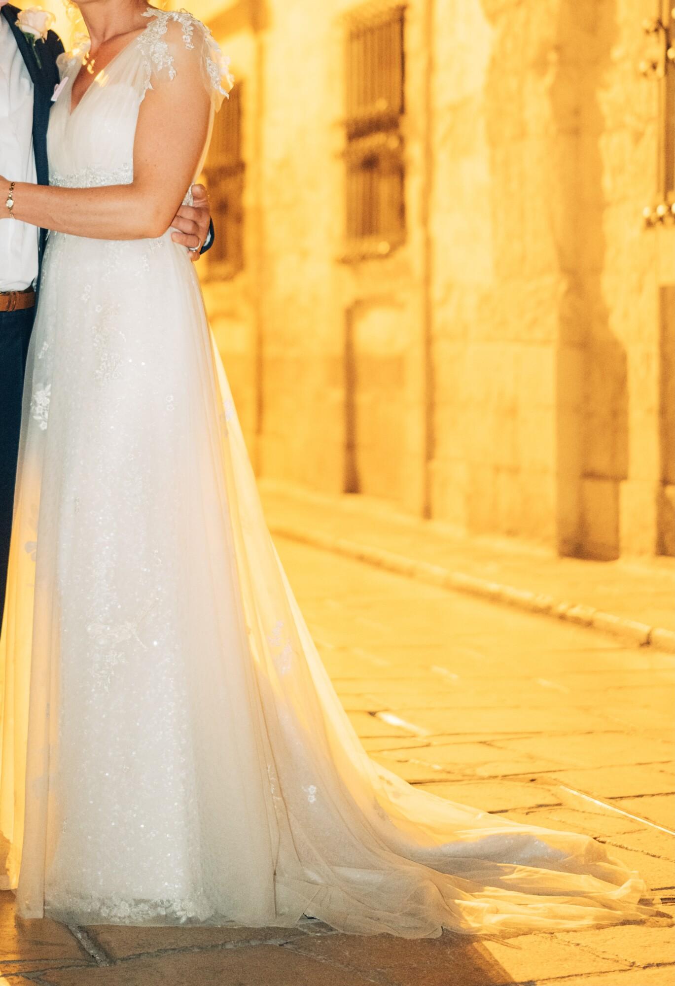 Ian Stuart Midsummer Dream wedding dress