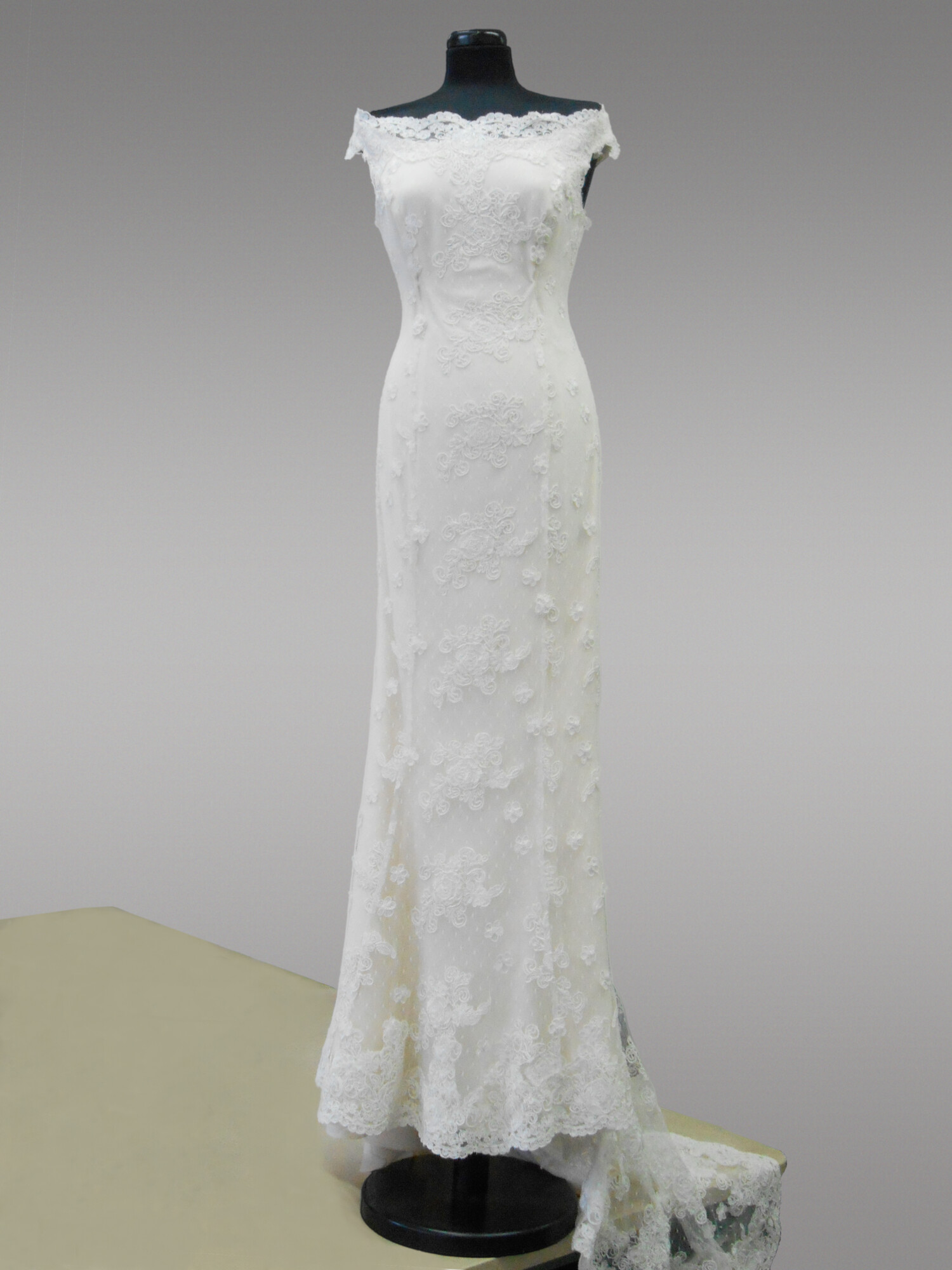 Di Toro Sposa Lace Wedding Gown